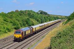 67021. (curly42) Tags: 67021 67024 class67 skip railway pullman 1z95 excursion belmondbritishpullman luxurytrain transport travel standishjunction