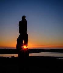 Morena (lizcaldwell72) Tags: sunburst hawkesbay sunrise napier water sky celestialcompass ateaarangi newzealand light