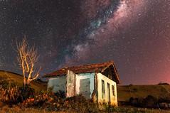 Via-lactia!!! (vlamiralvesbastos) Tags: nocturna noturno longaexposição vialactea house landscape naureza nature natureza paisagem estrela