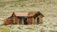 Old House and Cemetery (Bob Gunderson) Tags: bodiestatepark california monocounty northerncalifornia sierras