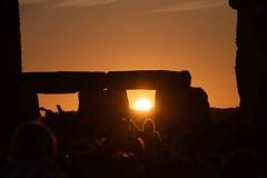 Sunrise Celebrations (Dave Cool Britannia) Tags: sun sunrise sunshine standingstones stonecircles stonehenge summersolstice wilt june 2018
