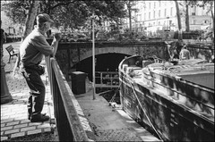 Canal Saint-Martin (madras91) Tags: nb noiretblanc bw blackandwhite monochrome film ilford delta100 summaron summaron35mmf28 leicam2 m2 leica street streetphotography paris