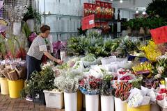 Flower market (Papaye_verte) Tags: marchande streetphotography fleuriste merchant marchand shopkeeper fleurs hongkong sar chine