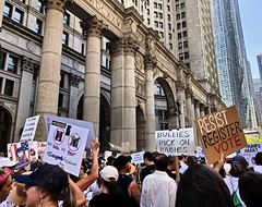 Families Belong Together Rally Brooklyn Bridge 08 (Alexander H.M. Cascone [insta @cascones]) Tags: usa nyc new york city manhattan downtown financial district fidi protest rally march keepfamiliestogether standup social justice brooklyn bridge activism citizens crowd signs america rights freespeech court courthouse columns pillars hall building tall