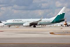 American Airlines ( Reno Air Heritage )                                        Boeing 737                                     N916NN (Flame1958) Tags: american americanairlines americanairways americanb737 n916nn amr boeing737 boeing b737 737 mia kmia flap2017 renoairheritage renoair 4499