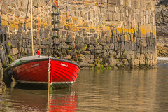 Portsoy ,Aberdeenshire ,Northeast Scotland (williamrandle) Tags: portsoy aberdeenshire northeastscotland scotland uk 2018 summer holidays water sea harbour stone boat reflections red vibid nikon d7100 tamron70200mmf28vcg2 outdoor