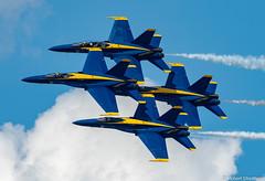Fast and Tight (Robert Streithorst) Tags: navy 2018daytonairshow airplane blueangels f18 fighter jet military robertstreithorst aircraft