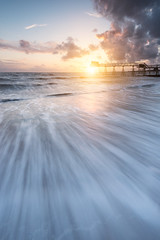 Coucher de soleil (Alexmgt) Tags: sunset coucherdesoleil landscape paysage seascape france bretagne brittany nikon nuages clouds sea waves vagues plage sable mouvement longexposure