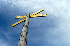 Cross (XoMEoX) Tags: cross kreuz sign zeichen watt mudflat sky himmel yellow gelb deich sony dscrx100m2 rx100m2 rx100 gefahr danger gefahrenzeichen wolken clouds cuxhaven crossed gekreuzt