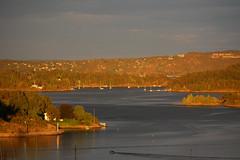 soft light (Leifskandsen) Tags: sunset bay sandvika fjord oslofjorden archipelago bærum water coast boats nature norway camera cold canon living leifskandsen skandsenimages scandinavia skandsen sea