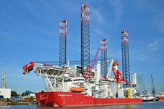 Seajacks Scylla (Hugo Sluimer) Tags: portofrotterdam port haven wiltonhaven nlrtm onzehaven scheepvaart schiedam zuidholland holland nederland