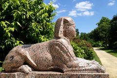 Simplement beau (frediquessy) Tags: sphinx statue sculpture egypte granit parc oise compiègne château empire picardie jardin allée