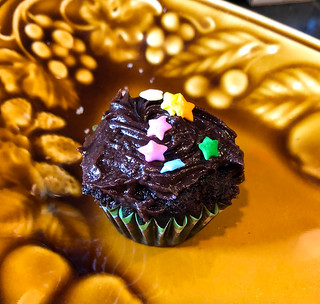 Perfecting Recipes: Chocolate Cupcakes with Mocha Frosting