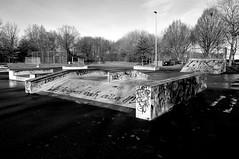 Skaterbahn (3) / Skateboarding course (3) (Lichtabfall) Tags: skateboard skaterbahn blackandwhite bw buchholz buchholzidn monochome monochrom einfarbig schwarzweiss