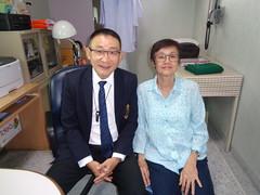 Dr Wanchai and my wife (the foreign photographer - ฝรั่งถ่) Tags: portrait doctor wanchai wife tassaniya central hospital phahoyolthin road bangkhen bangkok thailand sony office