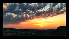 Coucher de soleil en Quercy (Jean-Louis DUMAS) Tags: soleil nature landscape paysage montagne crépuscule sunrise sunset coucherdesoleil