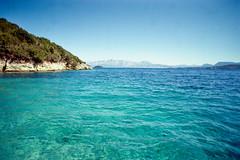 (ニノ Nino) Tags: kodak color plus 200 greece lefkada olympus mju beach life summer palm trees ii