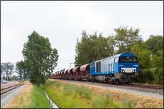 BE D21 + Grindtrein, Almelo Dollegoor (LokLife) Tags: be bentheimer eisenbahn d21 g2000 grind gravel almelo dollegoor db dbc osnabruck 41784 41785 faccs locomotive train sky tree railroad grass car