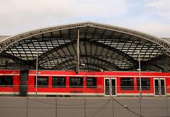 Alles aussteigen, der Zug endet hier! (VenusTraum) Tags: zug bahnhof