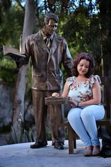 Teacher (jiturbe) Tags: teacher student maestro estudiante arbol monumento estatua tequisquiapan mexico autouniversar55mmf14