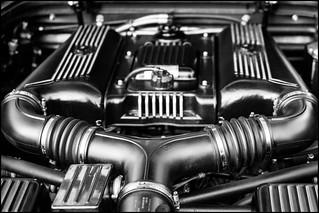 Ferrari F355 engine