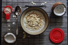 Oats of versatility coconut  and almond with vanilla (TwoPenceMedia) Tags: bowl dish grey red food healthy snack porridge oats almonds coconut twopencemedia foodfeels flahavans