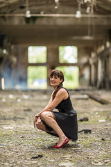 Coralie (jdu.photo) Tags: shooting abandonned abandonné usine factory french frenchgirl canonef canoneos 5d4 5dmarkiv 5div 85mm ef85mmf12 portrait decay