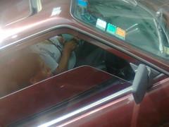 remo (luzYano) Tags: auto remis calle persona ventanilla window pane car