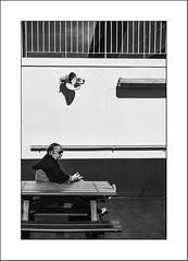 90 mn, Calais Dover (Napafloma-Photographe) Tags: 2018 bandw bw bateau personnes techniquephoto transports blackandwhite ferry monochrome napaflomaphotographe noiretblanc noiretblancfrance photographe streetphotography douvres kent grandebretagne gb boat
