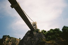 Suspension Bridge (knautia) Tags: cliftonsuspensionbridge riveravon bristolferry bristol england uk july 2018 film ishootfilm olympus xa2 olympusxa2 kodak kodacolor 200iso nxa2roll36 river avon ferry bridge avongorge suspensionbridge