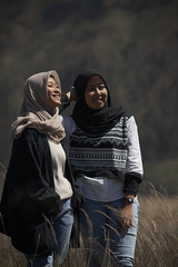 Feel (charis02021999) Tags: sonyalpha sonya6000 portraiture portrait girl moslem hijab bromo mountbromo