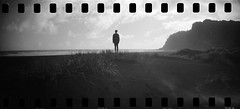 The clearest view (spannerino) Tags: analogue analog auckland analoguephotography blackandwhite beach childhood 35mm 35mmfilm film filmlives girl handprocessed ilfordlc29 lomography monochrome newzealand outdoor person sprocketrocket sprockets wideangle expiredfilm