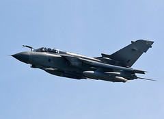 Tornado GR4 076 (np1991) Tags: royal air force raf cosford airshow 2018 england united kingdom uk nikon digital slr dslr d7100 camera sigma 50500mm 50 500 50500 bigma lens aviation planes aircraft panavia tornado gr4 gr tonka