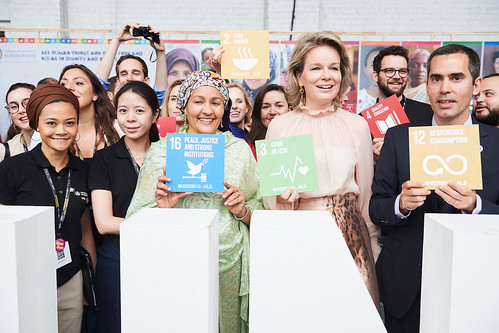 amina-j-mohammed-with-hm-queen-mathilde-sdg-stand-edd18-3