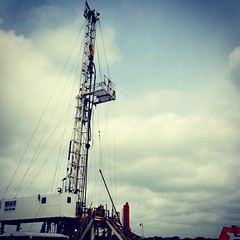 Drilling Rig in Clouds (MattGreenfield79) Tags: rig drilling oil gas well