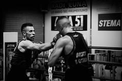35772 - Cross (Diego Rosato) Tags: boxe pugilato boxelatina boxing ring match incontro nikon d700 2470mm tamron bianconero blackwhite cross pugno punch