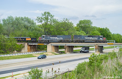 Pair of SP Tunnel Motors SB Manfiest (MoPac82) Tags: up 1988 sp tunnel motors cp 3016 9152 c408 wamx 3935 1989 afxas ns 6963 mfwkc dk04 5097 fec 107 120 4083 8862 mna 9391 sb turn lees summit mo