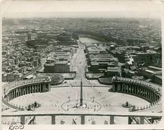 Anglų lietuvių žodynas. Žodis state of the vatican city reiškia vatikano miesto valstybės lietuviškai.