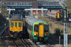 377410 & 319427, Gatwick Airport, April 7th 2015 (Southsea_Matt) Tags: 377410 319427 319027 class319 class377 brel electrostar bombardier firstcapitalconnect southernrailway govia goahead gatwickairport sussex england unitedkingdom train railway railroad emu electricmultipleunit canon 60d 70200mm april 2015 spring vehicle publictransport passengertravel