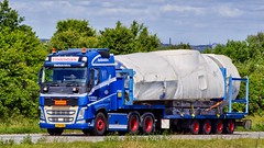 XV89096 (17.06.14, Motorvej 501, Viby J)DSC_2237_Balancer (Lav Ulv) Tags: vindelsbæktransport volvo volvofh fh4 fh500 e6 euro6 6x2 særtransport heavyhaulage schwertransporte convoiexceptionnel windmill stepdeck lowloader 2015 blue truck truckphoto truckspotter traffic trafik verkehr cabover street road strasse vej commercialvehicles erhvervskøretøjer danmark denmark dänemark danishhauliers danskefirmaer danskevognmænd vehicle køretøj aarhus lkw lastbil lastvogn camion vehicule coe danemark danimarca lorry autocarra trækker hauler zugmaschine tractorunit tractor artic articulated semi sattelzug auflieger trailer sattelschlepper motorway autobahn motorvej vibyj highway hiway autostrada