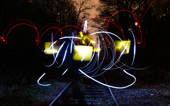 dessin abstrait (Rudy Pilarski) Tags: nikon d7100 tamron 2470 nuit night light lightpainting lumière luz paris france europe europa red rouge blue bleu jaune yellow longpose lines ligne courbe couleur color colour railway tree arbre abstrait abstract pc rail forme form