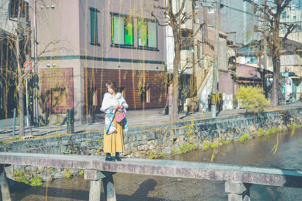 walking around kyoto in kimono-1-13