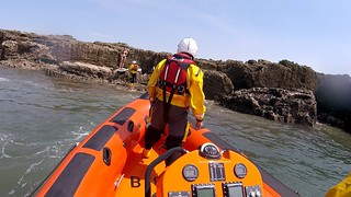 Porthcawl RNLI assist a SUP paddler