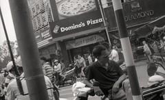 cool shades (elffyb) Tags: elffyb voigtlander bessa bessar3a nokton nokton40 nokton40mm kodak kodakportra400 portra400 film analog streetphotography sailorstrap vietnam hanoi oldquarter