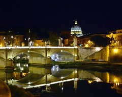 Night in Rome (Tobi_2008) Tags: rom roma rome nachtaufnahme nighshot spiegelung reflection stadt city flus river europa europe