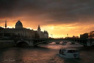 Tribunal de Commerce, Conciergerie & Pont Notre-Dame, Paris