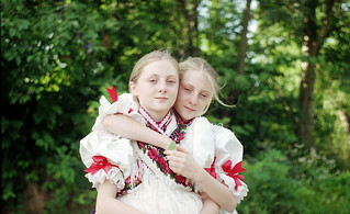 Haraszti sisters . Exa 1B - Helios 44-2 / fuji c200