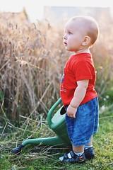 little gardener (justynaj457) Tags: nature child boy garden