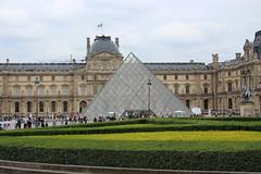Jardin des Tuileries (House Of Secrets Incorporated) Tags: paris france citytrip vacances spring jardindestuileries tuileriesgarden garden park tuileries pyramid louvre museum