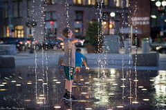 One moment in time (kuntheaprum) Tags: ringsfountain downtownboston waterfountain cityscape children nikon d750 samyang 85mm f14
